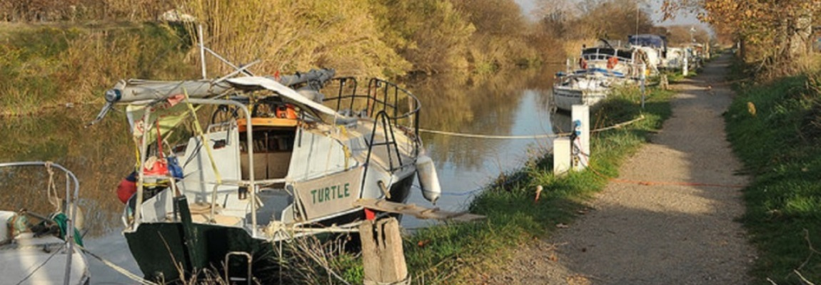 Canal du Midi Cycling Holiday - Barges (slide)